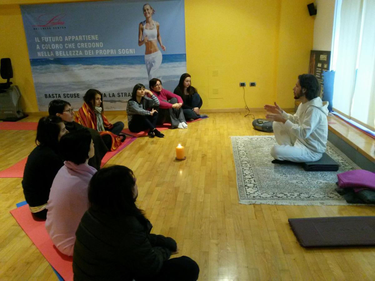 foto meditare meditazione cristiano roganti italia